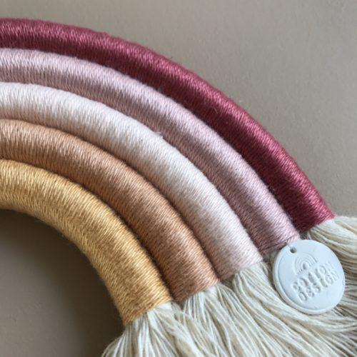 Cotton-design-amsterdam-detail-regenbooghanger