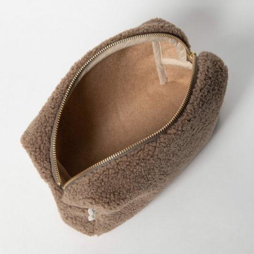 studio-noos-etui-brown-detail