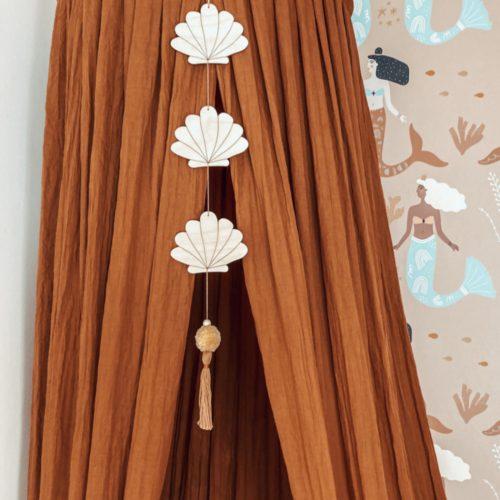 Hanger-seashell