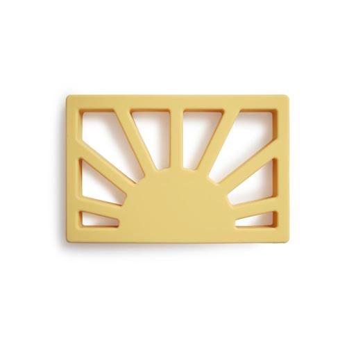 Mushie-bijtring-zon-muted-yellow