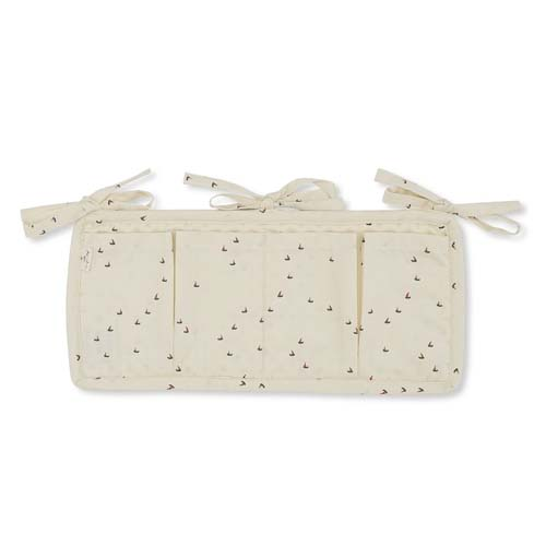 Quilted-bed-pocket-konges-slojd-mille-marine-off-white