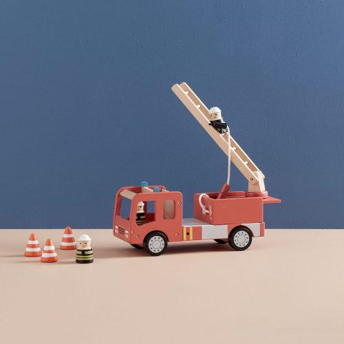 kids-concept-brandweerauto-hout