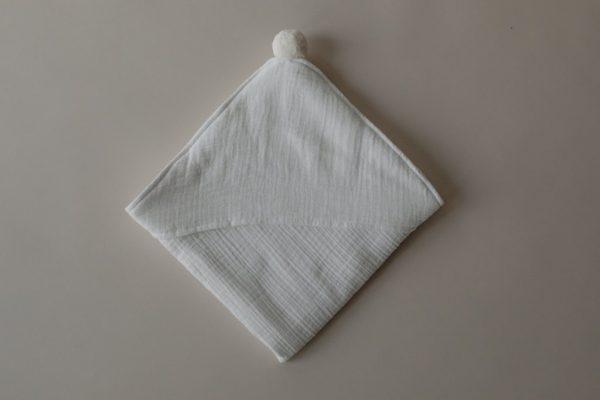 play-at-slaep-hooded-towel-white
